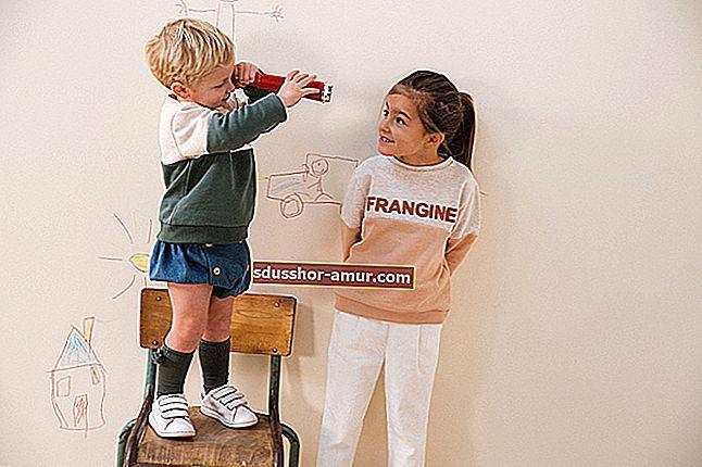 Конфайнмент: как занять своих детей соляной краской?
