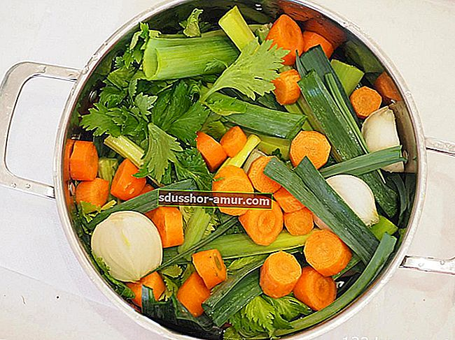 4 прости рецепти за приготвяне на домашни кубчета от бульон.