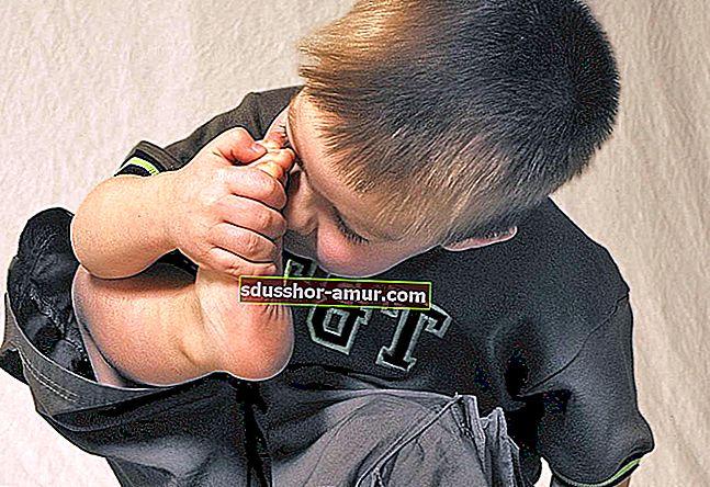 9 советов, как избавить обувь от запаха.