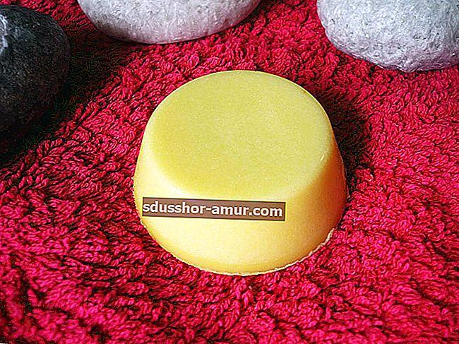 Šampon za sodu bikarbonu Recept koji će se svidjeti vašoj kosi!