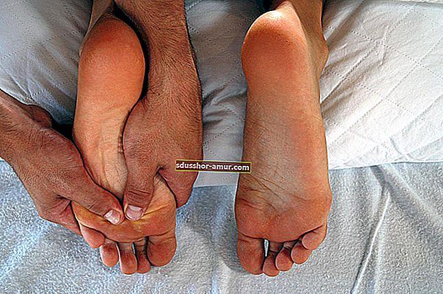 Как избавиться от мозолей на ногах с помощью бикарбоната?