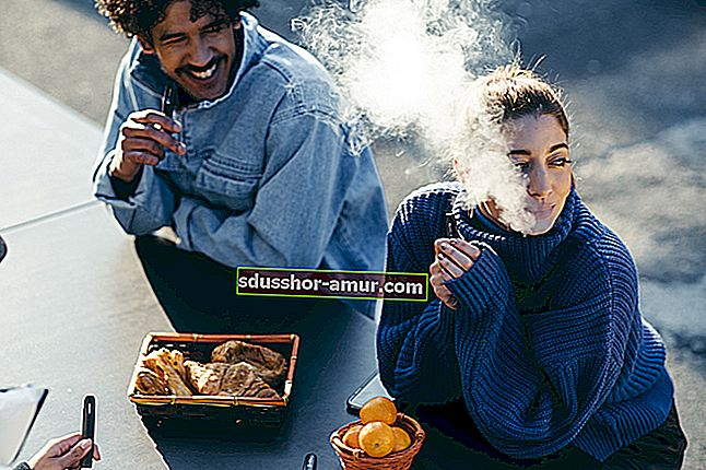 Najbolji savjet za uklanjanje mirisa duhana u automobilu.